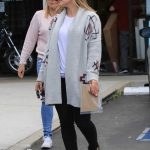 Hilary Duff Visits a Frame Store in Studio City 11/03/2017-4