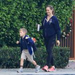 Jennifer Garner Takes a Morning Stroll Out in Brentwood 11/27/2017-2