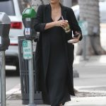 Jessica Alba Leaves Urth Caffe in Beverly Hills 11/16/2017-3
