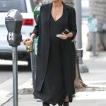 Jessica Alba Leaves Urth Caffe in Beverly Hills 11/16/2017-4