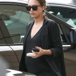 Jessica Alba Leaves Urth Caffe in Beverly Hills 11/16/2017-5
