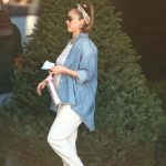 Jessica Alba Out Shopping in Beverly Hills 11/24/2017-3