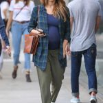 Jessica Alba Out Shopping in Beverly Hills 11/26/2017-3