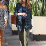 Jessica Alba Out Shopping in Beverly Hills 11/26/2017-5