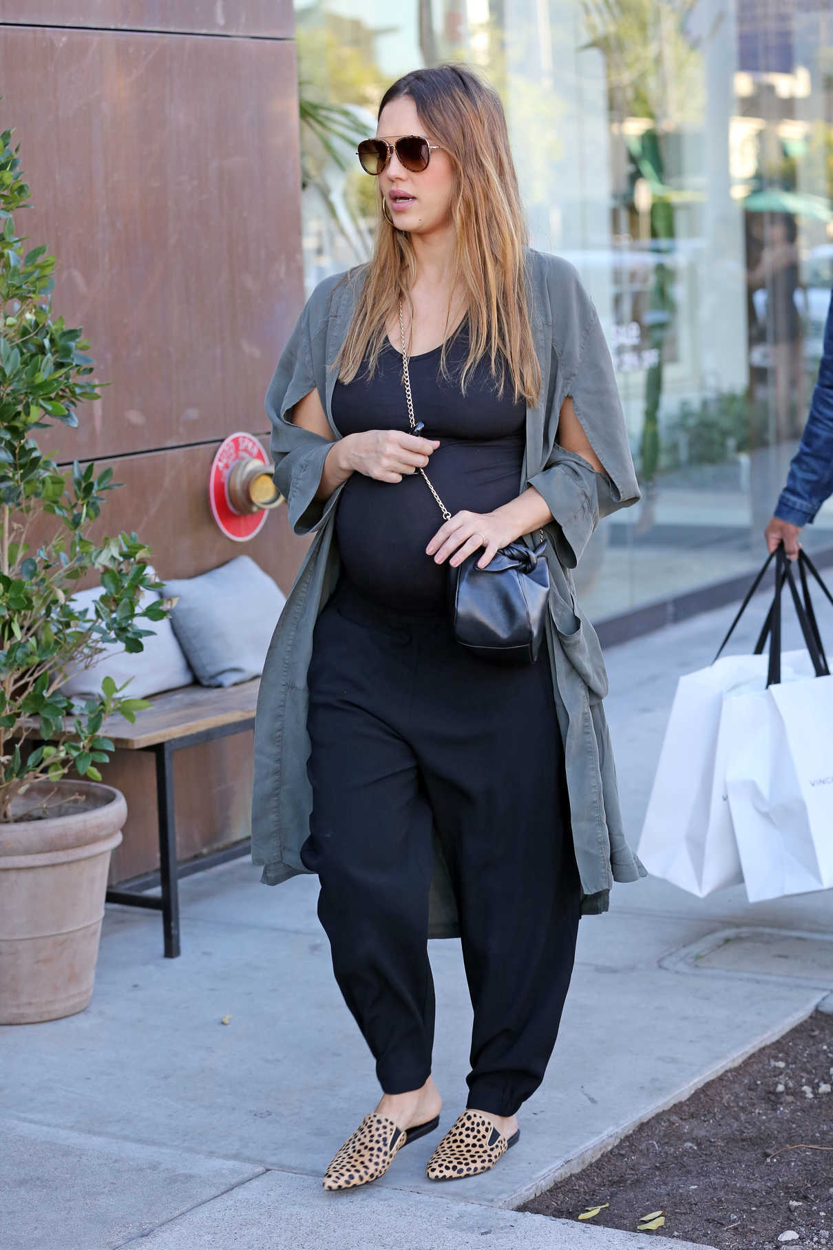 Jessica Alba Out Shopping in West Hollywood 11/22/2017-2