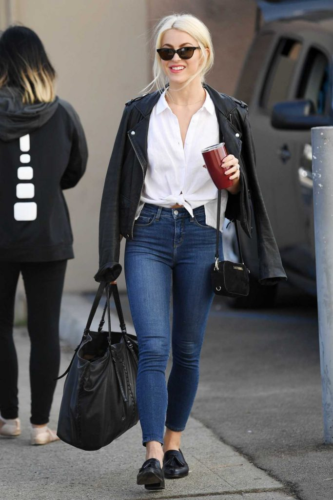 Julianne Hough Was Seen Out in Los Angeles 11/17/2017-1
