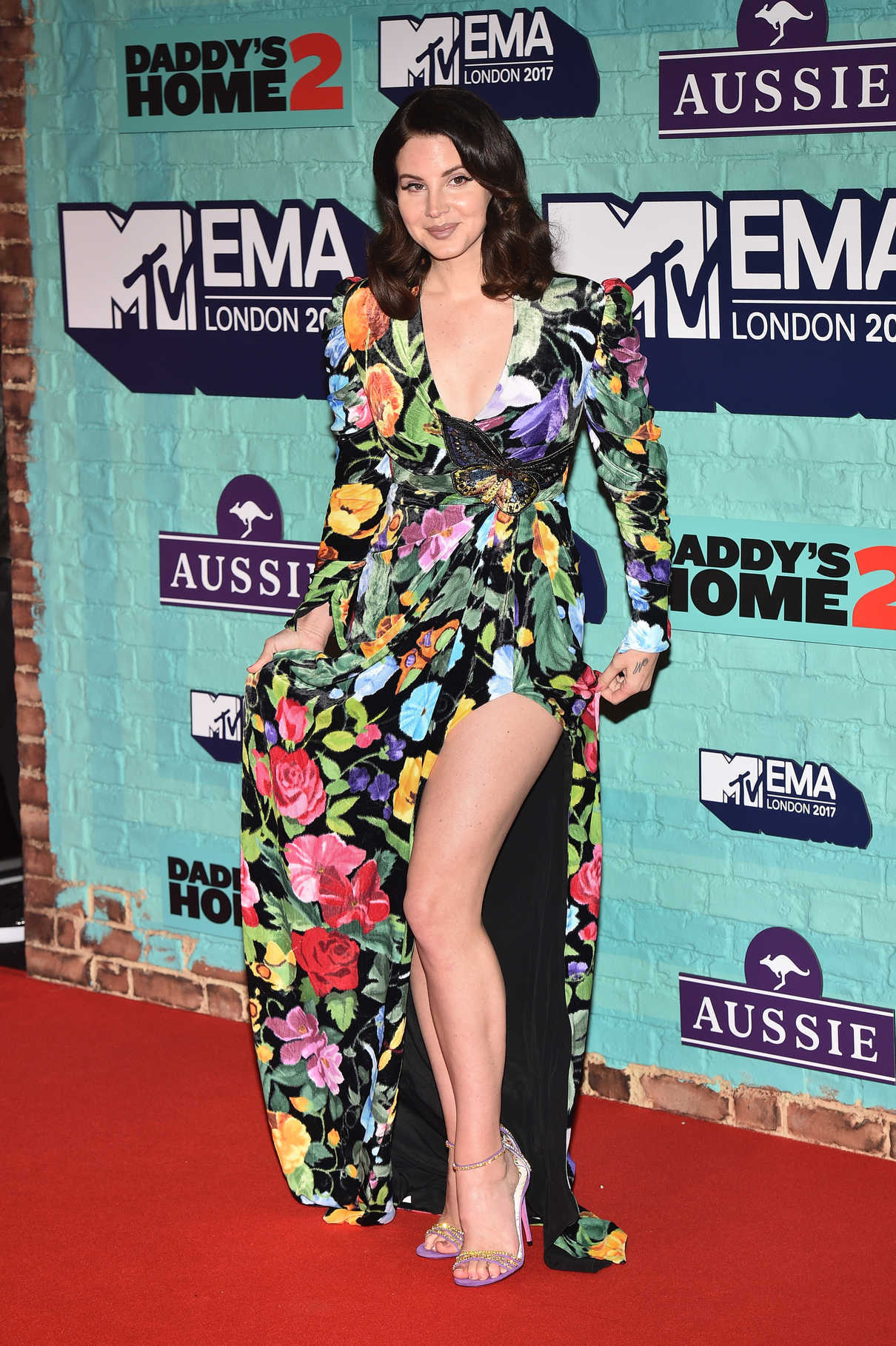 Lana Del Rey at the 24th MTV Europe Music Awards in London 11/12/2017-4
