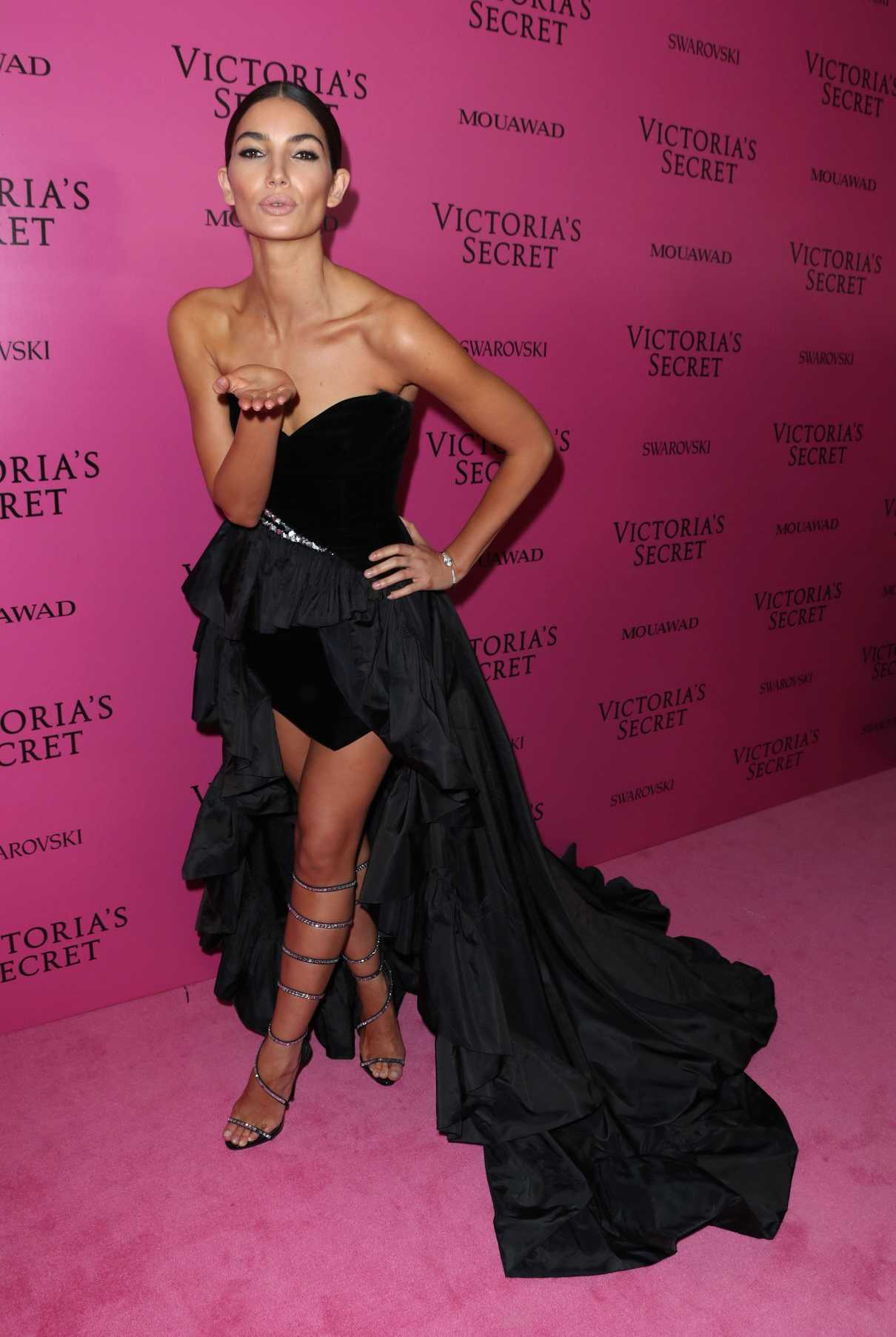 Lily Aldridge at 2017 Victoria's Secret Fashion Show After Party in Shanghai 11/20/2017-4