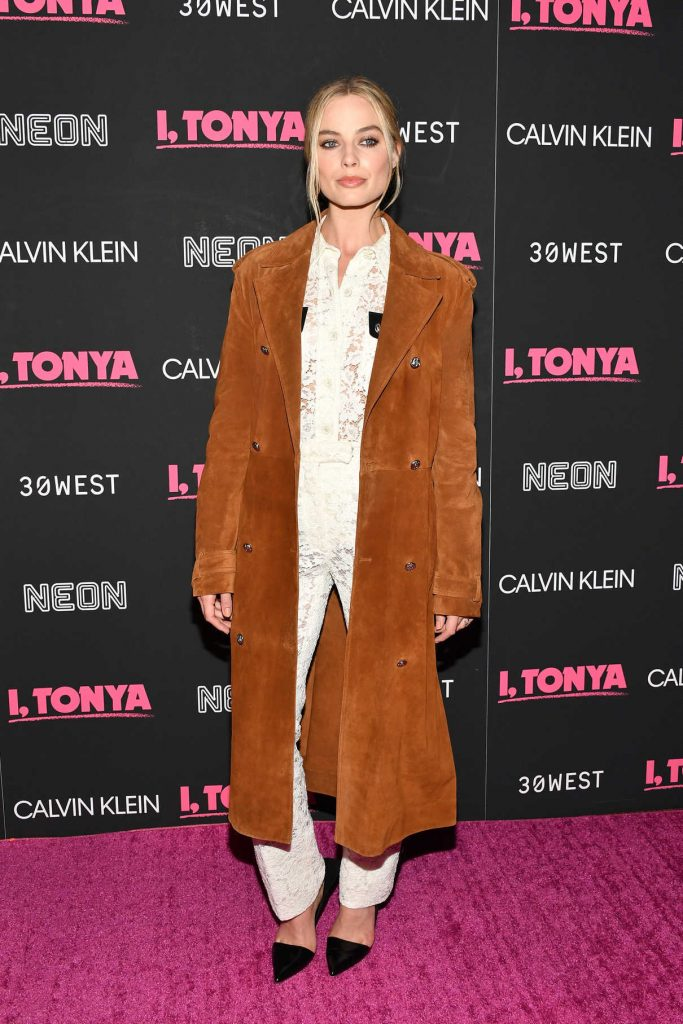 Margot Robbie at I, Tonya Premiere in New York City 11/28/2017-1