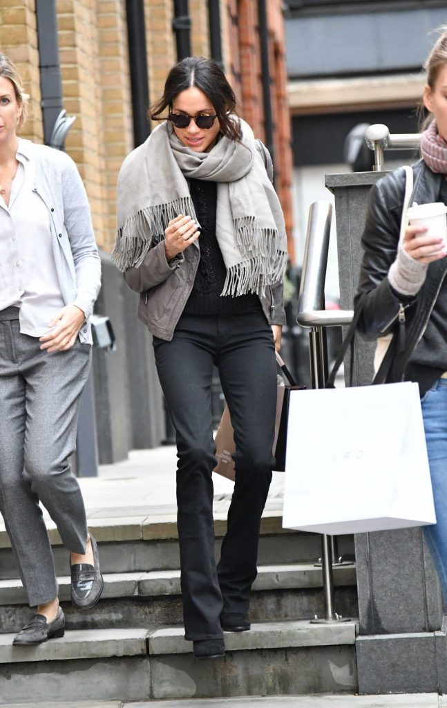Meghan Markle Goes Shopping Out in London 11/21/2017-1