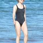 Olivia Wilde Wears a Black Swimsuit at the Beach in Hawaii 11/19/2017-4