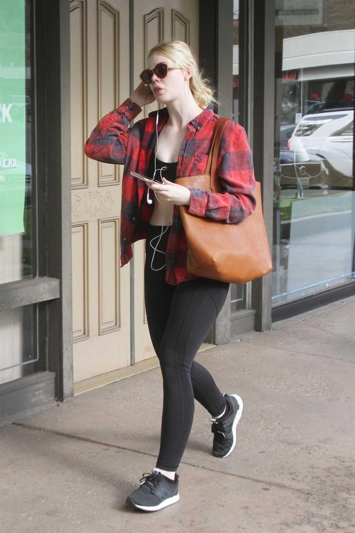 Elle Fanning Hits the Gym in LA 12/20/2017-4