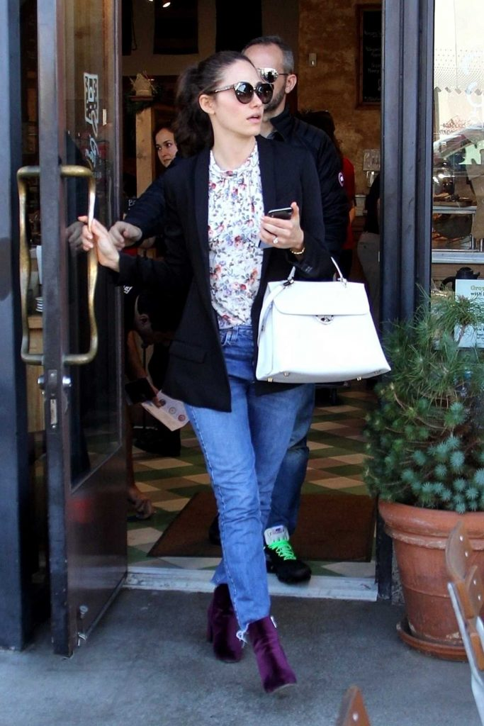Emmy Rossum Out for Lunch at Le Pain Quotidien in Los Angeles 12/05/2017-1