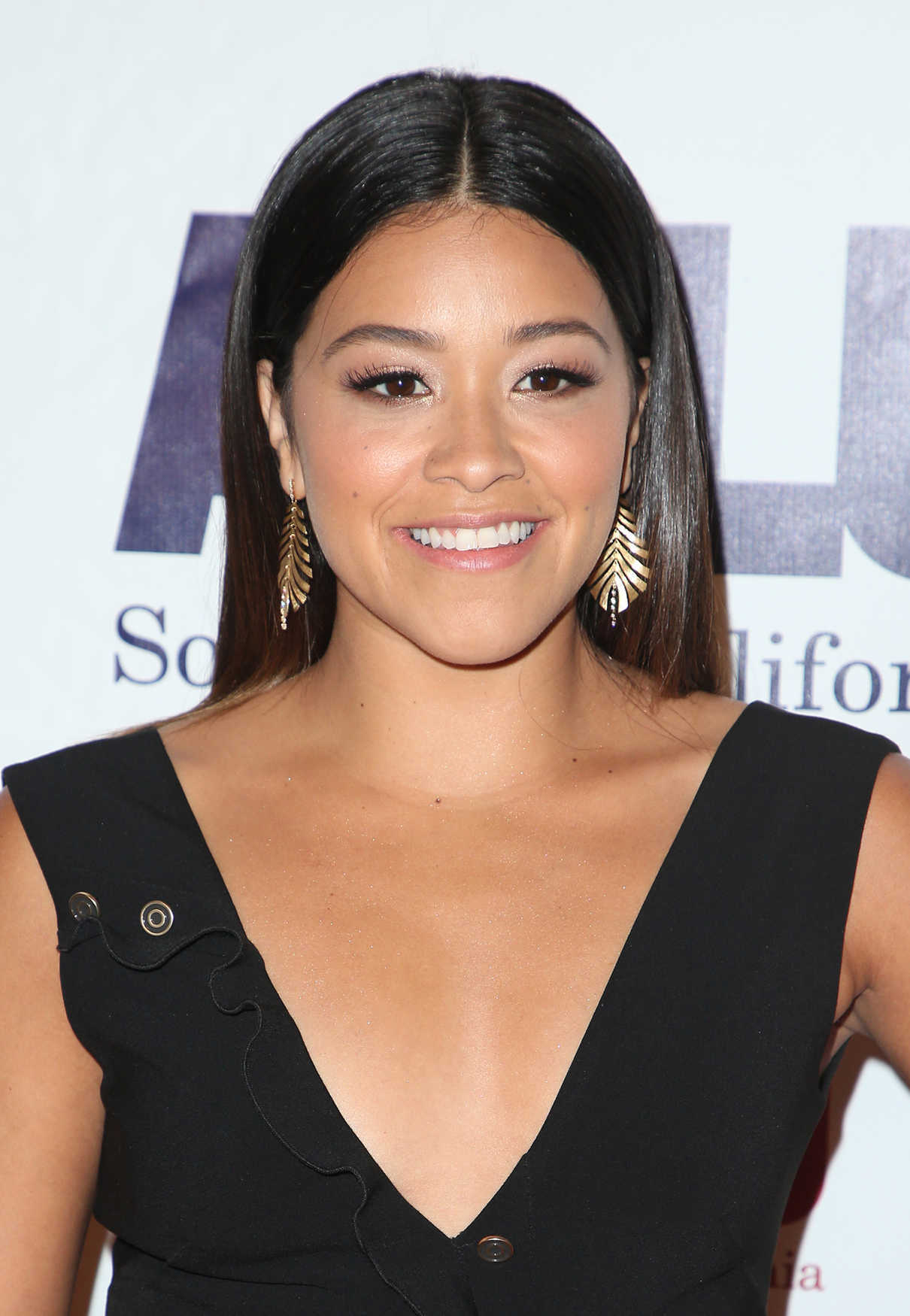 Gina Rodriguez at ACLU SoCal's Annual Bill of Rights Dinner at the Beverly Wilshire Four Seasons Hotel in Beverly Hills 12/03/2017-5