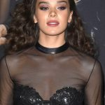 Hailee Steinfeld at the Pitch Perfect 3 Premiere at Dolby Theatre in Hollywood 12/12/2017-5