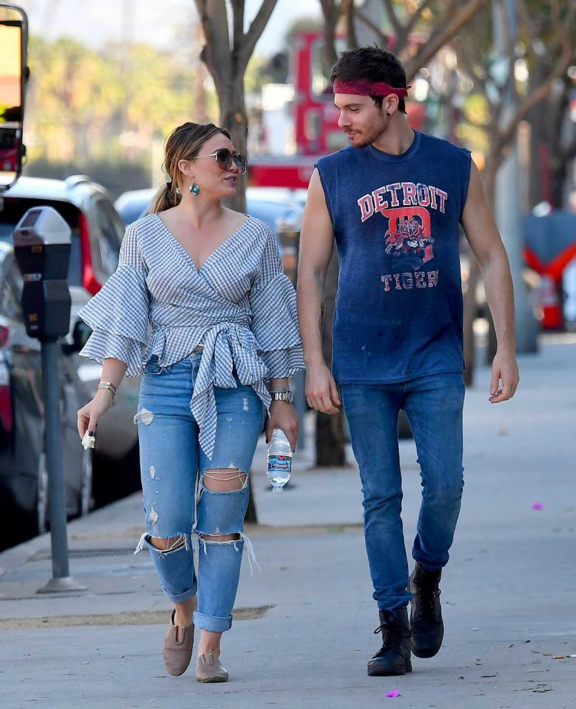 Hilary Duff Heads to the Fairfax Flea Market With Matthew Koma in Studio City 12/03/2017-1
