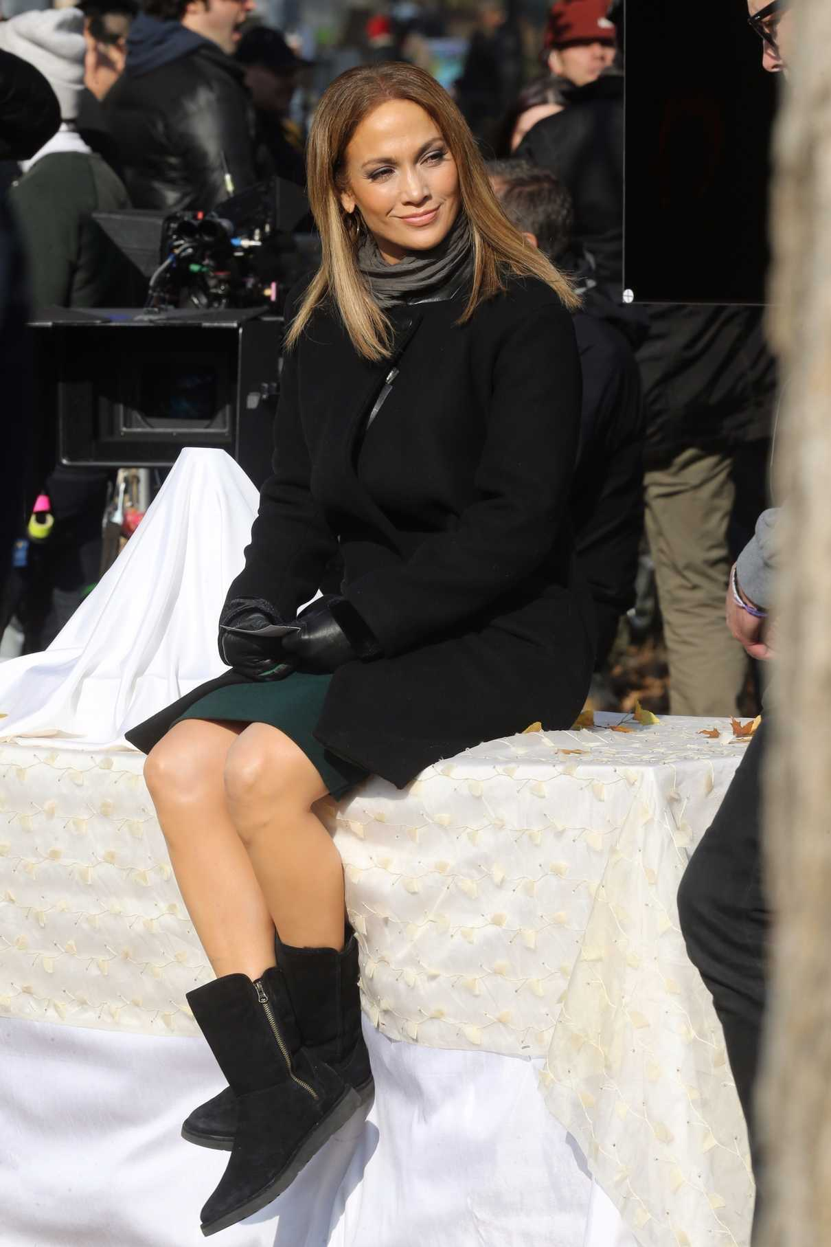 Jennifer Lopez on the Set of Second Act in NYC 12/04/2017-4