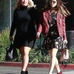 Jessica Biel Grabs Breakfast in Beverly Hills 12/11/2017-4