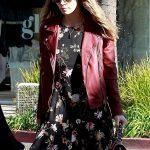 Jessica Biel Grabs Breakfast in Beverly Hills 12/11/2017-5