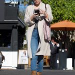 Kate Hudson Goes Shopping for Christmas in LA 12/21/2017-5