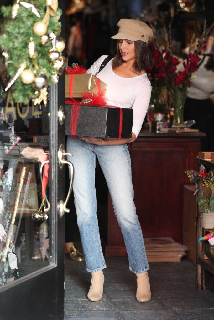 Olivia Culpo Goes Christmas Shopping at Espionage in LA 12/14/2017-1
