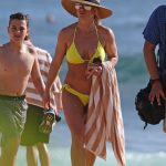 Britney Spears Wears a Yellow Bikini at the Beach in Hawaii 01/03/2018-3