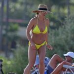 Britney Spears Wears a Yellow Bikini at the Beach in Hawaii 01/03/2018-4