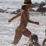 Britney Spears Wears a Yellow Bikini at the Beach in Hawaii 01/03/2018-5