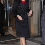 Gal Gadot Wears a Stylish Black Trench Coat Out in New York 01/09/2018-2
