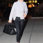 Gigi Hadid Returns Home in NYC 01/15/2018-5