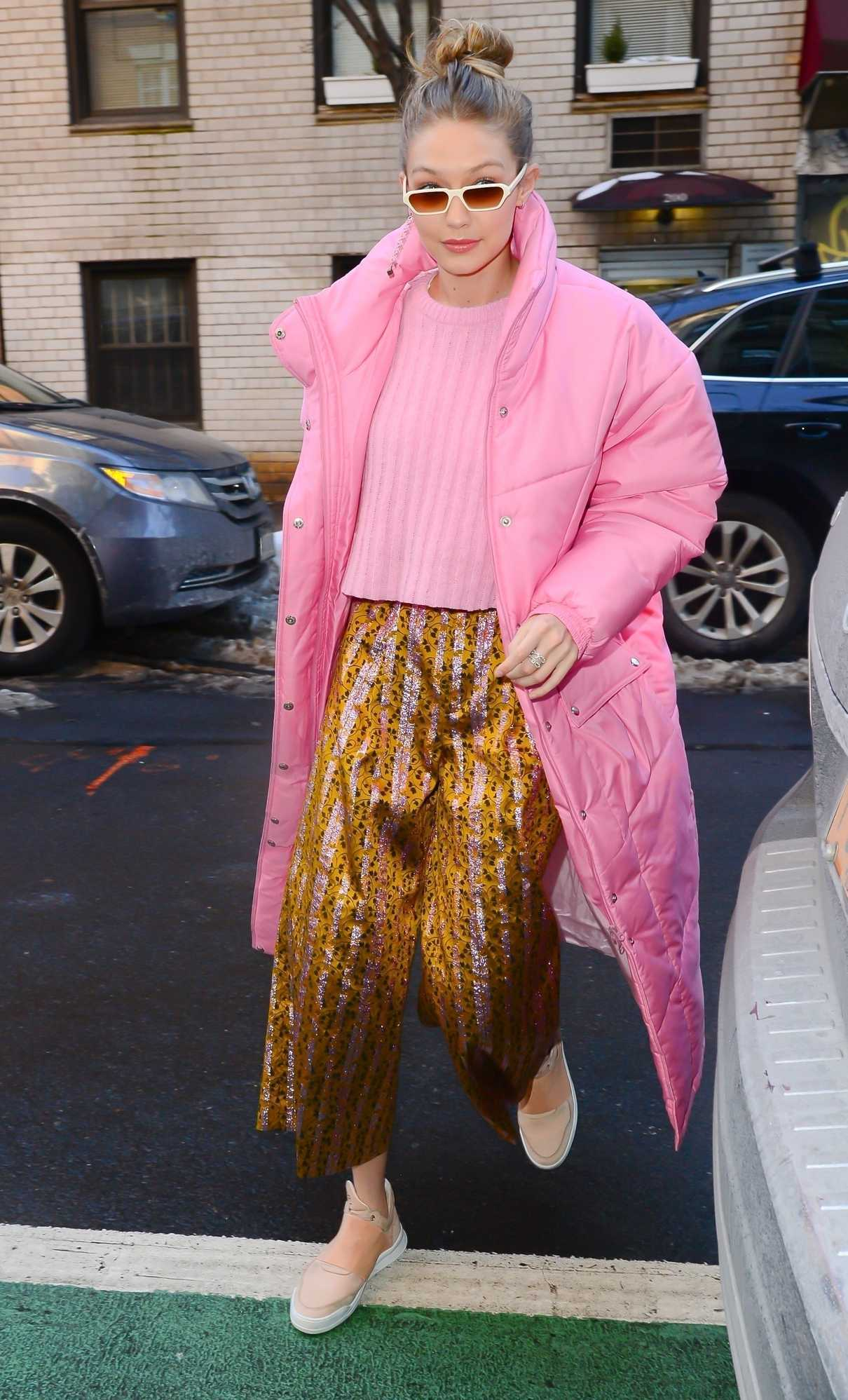Gigi Hadid Steps Out for Lunch in NYC 01/09/2018-4