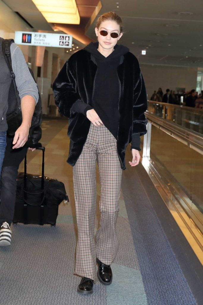 Gigi Hadid Was Spotted at Haneda International Airport in Tokyo 01/26/2018-1