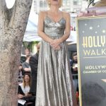 Gillian Anderson Honored with a Star on The Hollywood Walk of Fame in Hollywood 01/08/2018-2