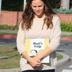 Jennifer Garner Makes a Stop at the Library in Brentwood 01/29/2018-5