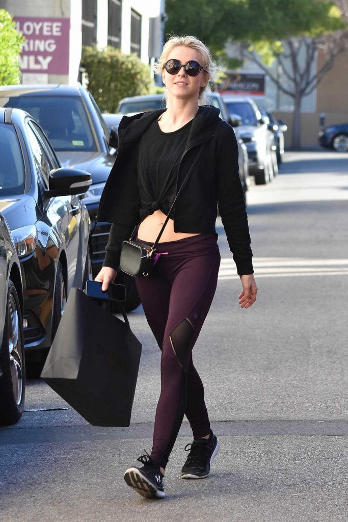 Julianne Hough Hits the Gym in LA 01/26/2018-1