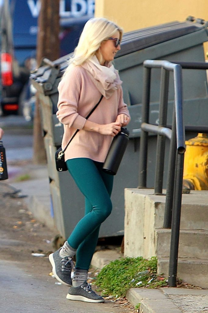 Julianne Hough Was Spotted Out in Studio City 12/30/2017-1