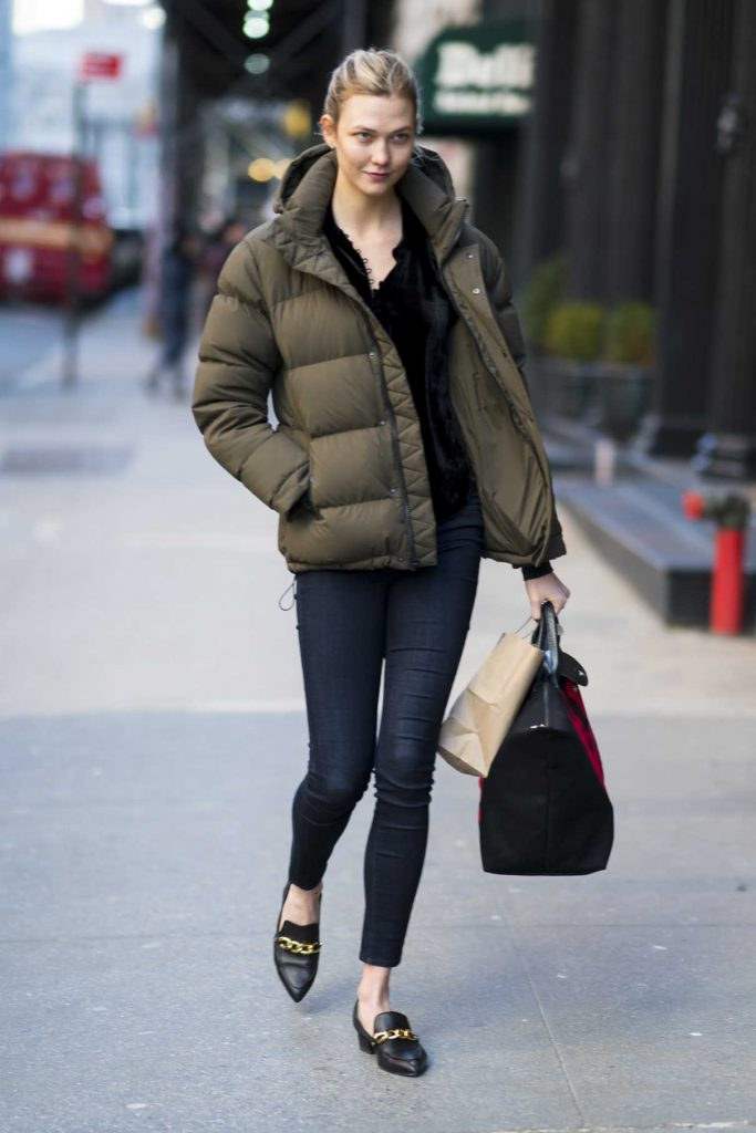 Karlie Kloss Visits a Friend in New York 01/15/2018-1