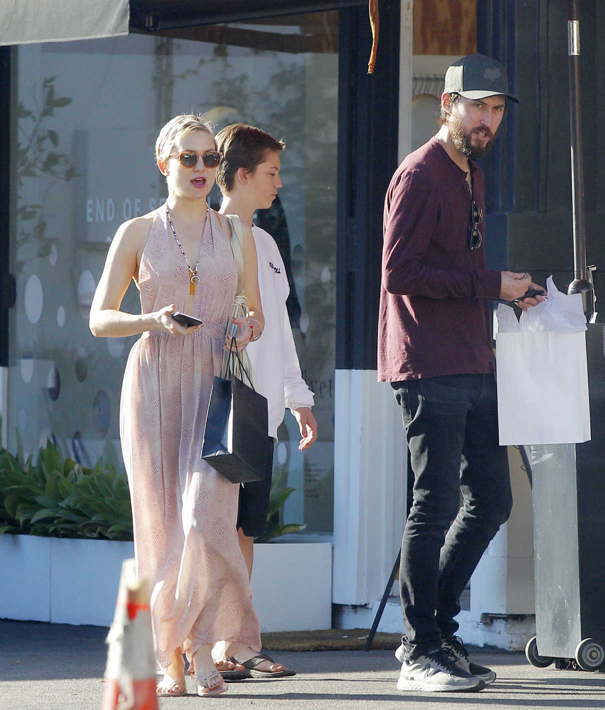 Kate Hudson Goes Shopping with Danny Fujikawa in Brentwood 01/14/2018-1
