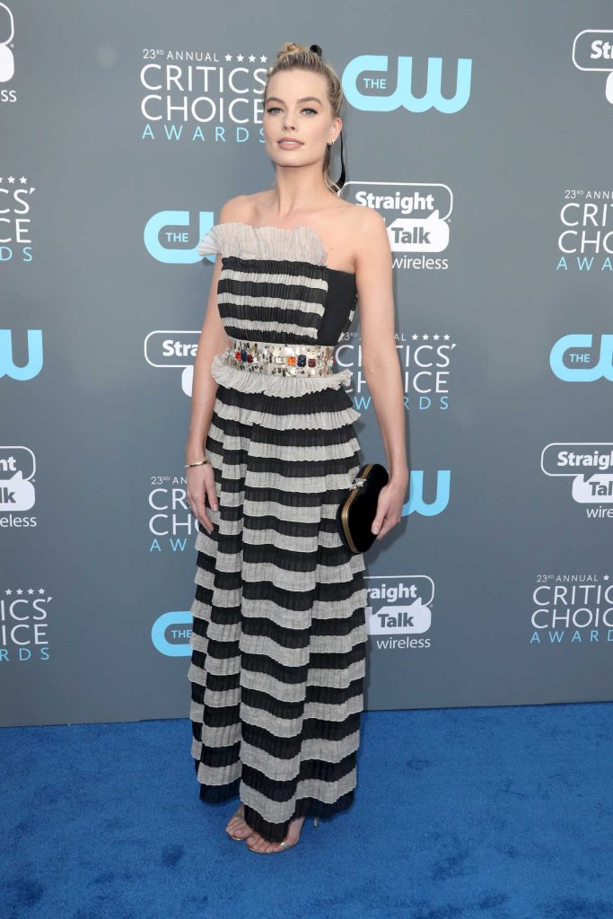 Margot Robbie at the 23rd Annual Critics' Choice Awards in Santa Monica 01/11/2018-1