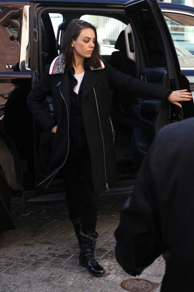 Mila Kunis Gets a Tour of the Harvard Campus in Cambridge 01/25/2018-1