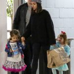Mila Kunis Takes Her Daughter to Art Class in Studio City 01/09/2018-2