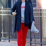Olivia Wilde Goes for a Stroll with Jason Sudeikis Out in NYC 01/03/2018-5