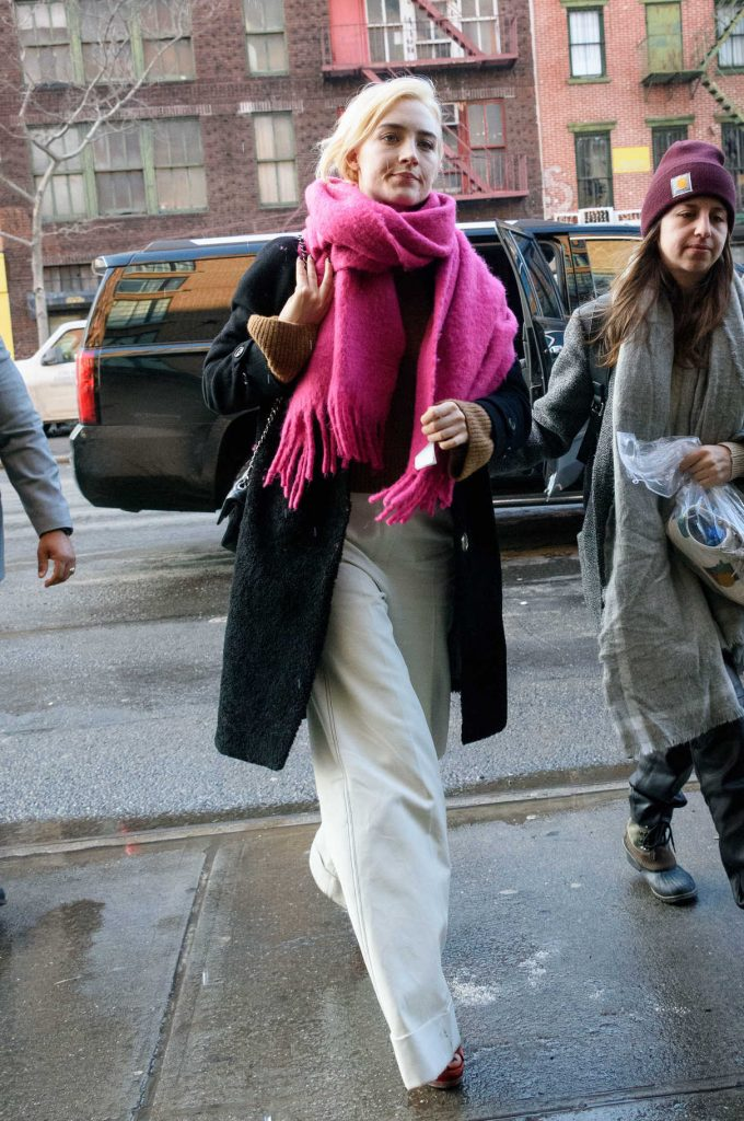 Saoirse Ronan Wears a Pink Scarf and White Pants Out in NYC 01/09/2018-1