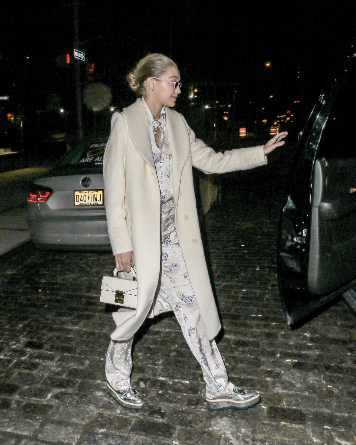 Gigi Hadid Night Out in the Meat Packing District in New York City 02/01/2018-5