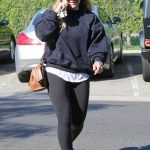 Hilary Duff Visits a Hair Salon in Beverly Hills 02/09/2018-5