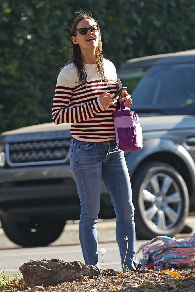 Jennifer Garner Was Spotted Out in Santa Monica 02/02/2018-1
