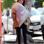 Madison Beer Gives a Big Bag of Clothes Away to Charity in LA 02/20/2018-3