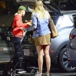 Margot Robbie Does Night Grocery Shopping in Los Angeles 02/05/2018-5