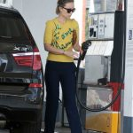 Olivia Wilde Wears a Yellow Blouse at a Gas Station in Los Angeles 02/12/2018-4