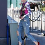 Bella Thorne Stops by Extra at Universal Studios Hollywood in Studio City 03/27/2018-5